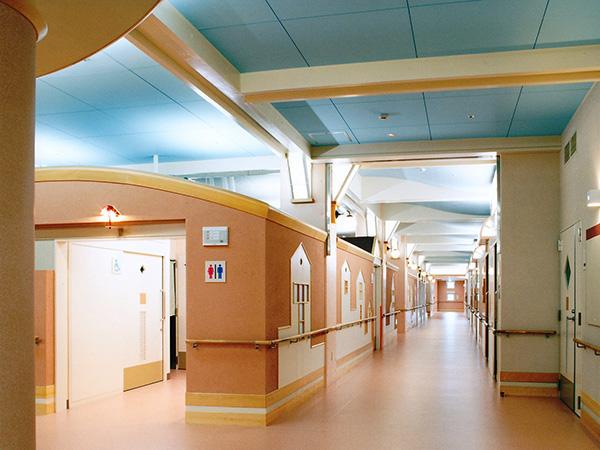 2F 療養棟 (入所棟)  東廊下